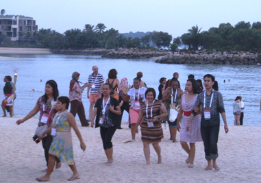 IFLA delegates explore the shore of Sentosa Island at the Tanjong Beach Club. Photo by Carlon Walker