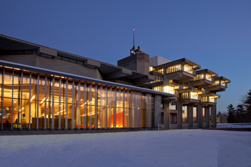 University of Massachusetts, Dartmouth—Claire T. Carney Library
