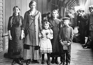 Dutch immigrants at Ellis Island