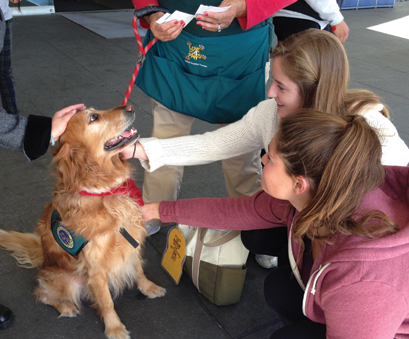 LMU_therapydogs4web.jpg