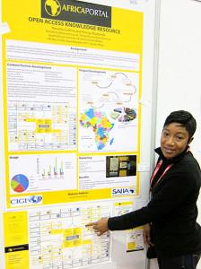 Shingi Muzondo explains the Africa Portal. Photo: George M. Eberhart