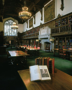 The Gail Kern Paster Reading Room at the Folger Shakespeare Library, with a First Folio in the foreground. Photo by Thedarklady154, used CC BY-SA 4.0.
