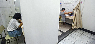 Shower stalls at Taizhou University Library converted to study spaces