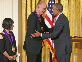 President Obama presents the 2013 National Medal of Arts to architects Billie Tsien and Tod Williams. (Photo: Alex Wong/Getty Images)
