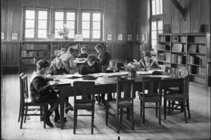 Children read in the Soissons Library in Aisne, France, after World War I. Photo: ALA Archives