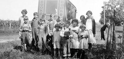 The Iowa Book caravan with [Hardin Co. IA] School District No. 2. Teacher – Miss Birdie Lee – ca. 1926