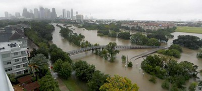 Overhead view of the floods from Buffalo Bayou on Memorial Drive and Allen Parkway, as heavy rains continued falling from Hurricane Harvey, August 28. Photo by Karen Warren, Houston Chronicle