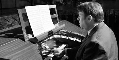 Bernie Anderson at his organ