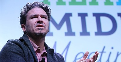 Author Dave Eggers, speaking at the 2018 ALA Midwinter Meeting & Exhibits