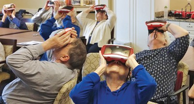 Residents of The Highlands at the Moorings of Arlington Heights assisted-living facility in Illinois enjoy a virtual tour of Monticello. (Photo: Arlington Heights Memorial Library)
