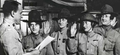 Swearing In- New York Recruiting Office, 17 August, 1918. From the collection of Marine Corps Women's Marine Reserve (COLL/981), Marine Corps Archives & Special Collections