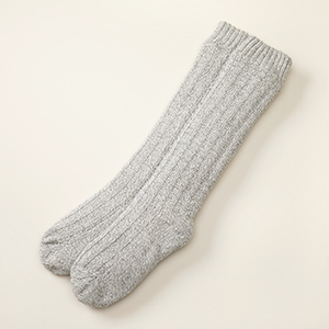 Light gray box-stitch socks
